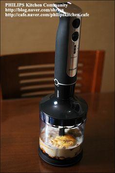 """양배추를 가장 맛있게 먹는 방법~땅콩 소스를 뿌린 """"양배추샐러드""""~ Coffee Maker, Brunch, Kitchen Appliances, Cooking, Food, Coffee Maker Machine, Diy Kitchen Appliances, Kitchen, Coffee Percolator"""