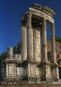 A color photograph of the Temple of Vesta in the Roman Forum, taken in Rome by David Henry. Architecture Romane, Rome Architecture, Ancient Greek Architecture, Ancient Buildings, Classical Architecture, Rome Buildings, Architecture Design, Ancient Ruins, Ancient Rome