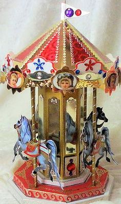 Crystal Carousel on Craftsuprint designed by Janice McFarlane - A stunning model for you to make up based on a Victorian… 3d Paper Projects, Paper Crafts, Diy Crafts, Vintage Cards, Retro Vintage, Christmas Themes, Christmas Crafts, Carousel Musical, Victorian Crafts