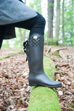 Flotte støvler i elegant matt brun utførelse :) #rainboots #stiligestovler #mote #skog #nettbutikk #boots #støvler #gummistøvler #stiligestøvler