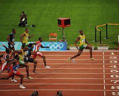 Bolt loin devant.