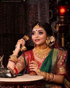 Indian Wedding Receptions, Wedding Mandap, Indian Wedding Decorations, Wedding Stage, Stage Decorations, Bengali Bridal Makeup, Peach Wedding Invitations, Beautiful Indian Brides, Jewellery Designs