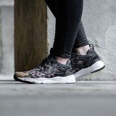 Reebok Womens Furylite Graphic Trainer in leopard print.