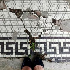 Boy if this mosaic floor could talk! It would have decades of stories to tell. It's a classic outdoor beauty that has bravely endured the elements of many harsh Chicago winters. The previous resident made an attempt to keep this piece of history in tact and we hope the next owner of this beautiful Oak Park storefront visits Heritage Tile so that we can recreate this perfect representation of timeless design and craftsmanship. #tileinthewildwednesday #mosaic #tile #oakpark #lookdown…