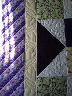Great border design  by Jessica's Quilting Studio, via Flickr  -  like the extra between the leaves