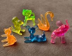 I so remember! I had some of these when I was little, except I don't remember having the cat Crystal Pet Carnival