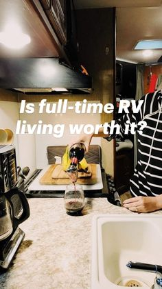 Rv Camping Tips, Camping List, Rv Tips, Camping Ideas, Travel Trailer Living, Rv Travel, Camper Van Life, Bus Camper, Campers