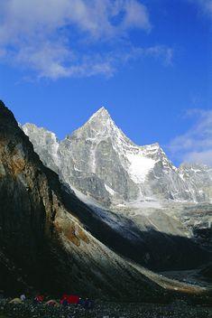 size: Photographic Print: Kya Jo Ri Mountain from Machermo, Machermo, Himalayas, Nepal, Asia by Alison Wright : Artists Alison Wright, Mount Everest, Nepal, Find Art, Framed Artwork, Asia, World, Travel, Artists