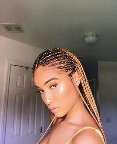43 Cool Blonde Box Braids Hairstyles to Try - Hairstyles Trends Braids Hairstyles Pictures, African Braids Hairstyles, Weave Hairstyles, Quiff Hairstyles, Ethnic Hairstyles, Work Hairstyles, Hairstyles 2018, Blonde Box Braids, Haircut Styles