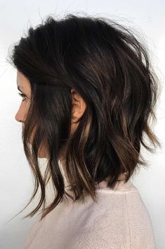 Wavy Stacked Medium Bob ❤ Want to get feathered hair? Here you can find the latest ideas that are popular in 2018 and will always be around: from awesome short and medium feathers to long, volumetric cuts. Choppy Bob Haircuts, Hairstyles Haircuts, Choppy Lob, Choppy Bob For Thick Hair, Short To Medium Haircuts, Lob Haircut Thick Hair, Long Bob Haircuts With Layers, Long Bob Wavy Hair, Bobs For Thick Hair