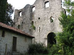 Exploring Italy--The Castle Ruins of Maniago