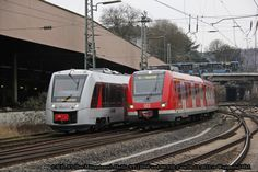 Concurrence with the national DBAG at Wuppertal ! S7 Abellio 648 005 VT 12005 and S8 422 532-2 of DB - by Daniel H - 26 december 2013