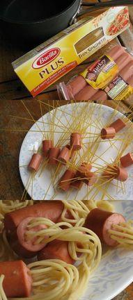***sausage instead of hot dogs ****Hot dog spaghetti.I would add cheese sauce instead of tomato - pretty much mac and cheese with hot dogs! Hot Dog Spaghetti, Spaghetti Noodles, Spaghetti Sauce, Sausage Spaghetti, Sausage Pasta, Spaghetti Tacos, Filipino Spaghetti, Pasta Noodles, Kid Lunches