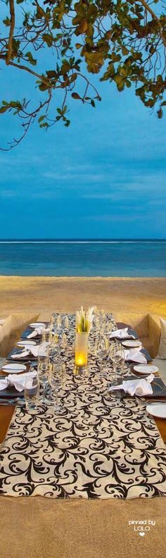 Beach dining at The Laguna Resort & Spa, Nusa Dua, Bali | LOLO❤︎