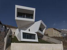 Galeria de Casa Mosha / New Wave Architecture