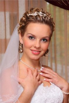 Short Hairstyles : Cute Wedding Hairstyles With Tiara And Veil For Short Curly Brunettes Hair 2016 The 13 Amazing Wedding Hairstyles for Short Hair 2016 Wedding Hairstyles Short Curly Hair. Wedding Guest Hairstyles For Short Hair. Short Bridal Hair, Curly Wedding Hair, Short Curly Hair, Curly Hair Styles, Pixie Styles, Prom Hair, Wedding Hairstyles With Veil, Bride Hairstyles, Wavy Hairstyles