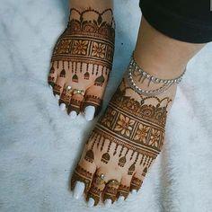 Leg Mehendi Design, Leg Henna Designs, Leg Mehndi, Mehndi Designs Feet, Full Hand Mehndi Designs, Mehndi Designs 2018, Mehndi Design Photos, Mehndi Designs For Fingers, Simple Mehndi Designs