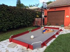 24 Off-Grid, Backyard Games for Your Family The team has the most sand wins the game. What a fantastic mixture of two backyard favorites, and an excellent way to […] Backyard Games Kids, Diy Yard Games, Lawn Games, Diy Games, Games For Kids, Giant Yard Games, Family Games, Family Activities, Games For Groups