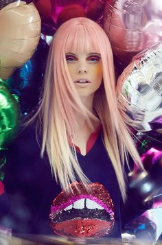 Peach hair + sequinned lip top + foil balloons = AWESOME.