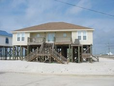 dauphin island 4 br 4 bath no pool yes pets Spring         (Mar 23-May 24,2013) ........ $235/night .. $1520/week Summer         (May 25-Aug 2,2013) ......... $2200/week (Sat-Sat) Summer Special (Aug 3-Sep 7,2013) .... $275/night .. $1825/week Fall           (Sep 8-Nov 22,2013) ........ $215/night .. $1400/week Winter         (Nov 23,2013-Mar 21,2014) .. $180/night .. $1200/week Daze