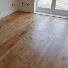 our native English Oak due to unique growing conditions , lots of space & light around the trees results in lots of epicormic burrs - which create the beautiful cats 🐾 paw knotting. Wooden Flooring, Kitchen Flooring, Kitchen Dining Living, Dining Room, Engineered Oak Flooring, Crazy Houses, Interior Decorating, Interior Design, Wide Plank