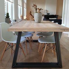 Industriele tafel Newcastle, verkrijgbaar op https://www.tafels99.nl