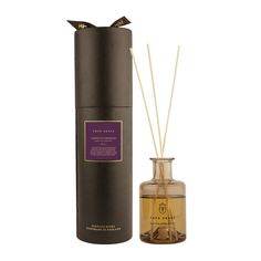 Fill the room with woody scents with the Cabinet of Curiosities reed diffuser from True Grace. Inspired by the scent of keepsakes stored in an ancient cabinet, this fragrance includes notes of coriand