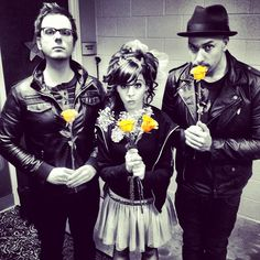 Lindsey Stirling, Gavi, and Drew. I love these people <3 but am i the only person who thinks gavi and lindsey should be together? i mean they are soooo cute together!!!