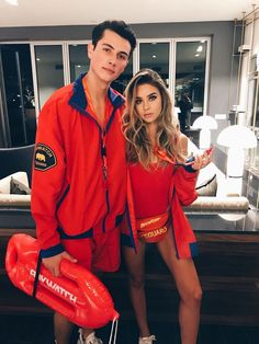 Couples Halloween Costumes Ideas Photos) - Inspired Beauty - baywatch Halloween costumes Source by chiaraneff Cute Couple Halloween Costumes, Costumes For Teens, Creative Halloween Costumes, Cool Costumes, Lifeguard Halloween Costume, Women Halloween, Halloween College, Couple Costume Ideas, Woman Costumes