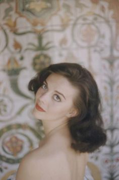 39 Glamorous Photos of Iconic Beauties From the 1950s and '60s Taken by Peter Basch