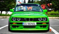 BMW E30 M3 green front stance