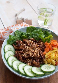 Trek in een lekkere salade? Deze salade met hete kip is niet te weerstaan. Makkelijk om te maken en in een half uurtje op tafel. Zo wil ik altijd wel gezond bezig zijn!