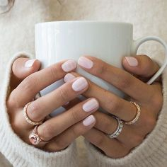 Beautiful @bluenilediamond rings + a perfect pink mani + a cup of hot coffee = the perfect #WeddingWednesday pick-me-up! ☕️ #TheKnotRings #Ad