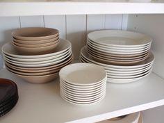 ittala Teema series plates. Serveware, Tableware, Table Designs, Kitchen Tools, Dinnerware, Living Room Decor, Plates, Ceramics, Dishes