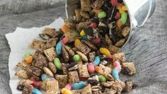 DIRT 'N' WORMS CHEX MIX