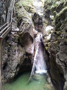 Egy fantasztikus kirándulóhely, belátható távolságban: a Medve-szurdok - Ketkes.com Hungary, Romania, Waterfall, Places To Visit, Travel, Outdoor, Outdoors, Viajes, Waterfalls
