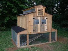 This is the BEST chicken coop I have ever seen!!!!! This is the one for me!.. I mean my girls! :-)