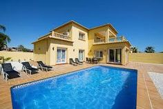 Villa moderne située à seulement 800 mètres de la plage, avec vue magnifique sur la mer, climatisation, grande piscine privée http://www.locationvillaespagne.com/calpe/titia/