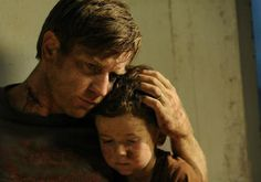 Still of Ewan McGregor and Oaklee Pendergast in The impossible