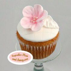 Simple elegant vanilla cupcake
