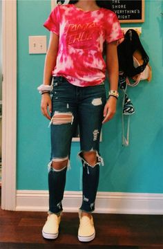 Charming Spring Outfits Ideas For Teenage Girl - outfits - School Outfits School Outfits For Teen Girls, Outfits Teenager Mädchen, Casual School Outfits, Cute Comfy Outfits, Teen Fashion Outfits, Cute Summer Outfits, Spring Outfits, Fashion For Teens, Freshman High School Outfits