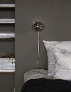 Loppisfynd_sänglampa_dansk design2 Sweet Dreams, Cribs, Lighting, Bedroom, Interior, Instagram, Wallpaper, Home Decor, Cots