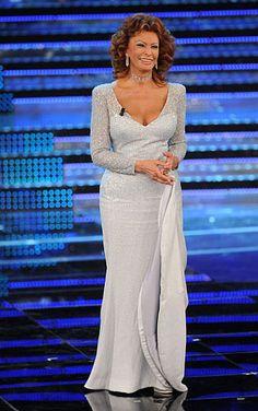Sizzling Seniors!: Sophia Loren