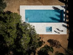 HOUSE BETWEEN THE PINE FOREST, Paterna, Valencia, Spain BY FRAN SILVESTRE ARQUITECTOS / pool