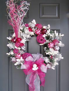 merry & bright in glittery pink   ♥ .. X ღɱɧღ || Rachelle's Christmas Wreath Flickr - Photo Sharing!