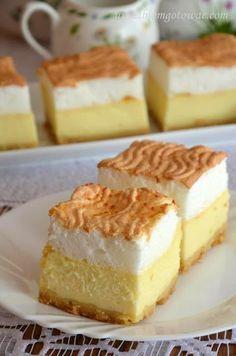 Sernik z rosą - delikatny, lekki sernik z bezą Polish cheesecake with meringue… Polish Desserts, Polish Recipes, Fun Desserts, Delicious Desserts, Yummy Food, Cake Cookies, Cupcake Cakes, Hungarian Cake, Cake Recipes