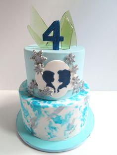 Frozen Birthday Cake - lalaland cakes
