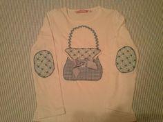 Camiseta Patchwork modelo bolso