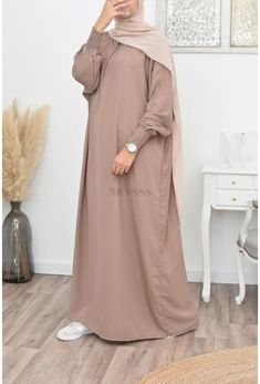 Modest Fashion Hijab, Abaya Fashion, Fashion Dresses, Muslim Women Fashion, Islamic Fashion, Mode Abaya, Mode Hijab, Hijab Fashion Inspiration, Mode Inspiration