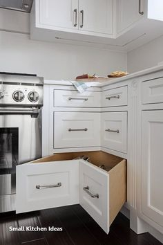 Top-notch Small kitchen cabinets models tips,Kitchen remodel software and Kitchen remodel open concept tricks. Kitchen Tops, New Kitchen, Kitchen Cabinets, Country Kitchen, Kitchen Corner, Awesome Kitchen, Kitchen Small, Closed Kitchen, Kitchen Drawers